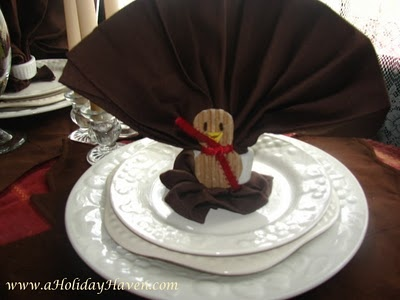 Turkey napkin fold fun little turkey for the tabletop for How to fold napkins into turkeys