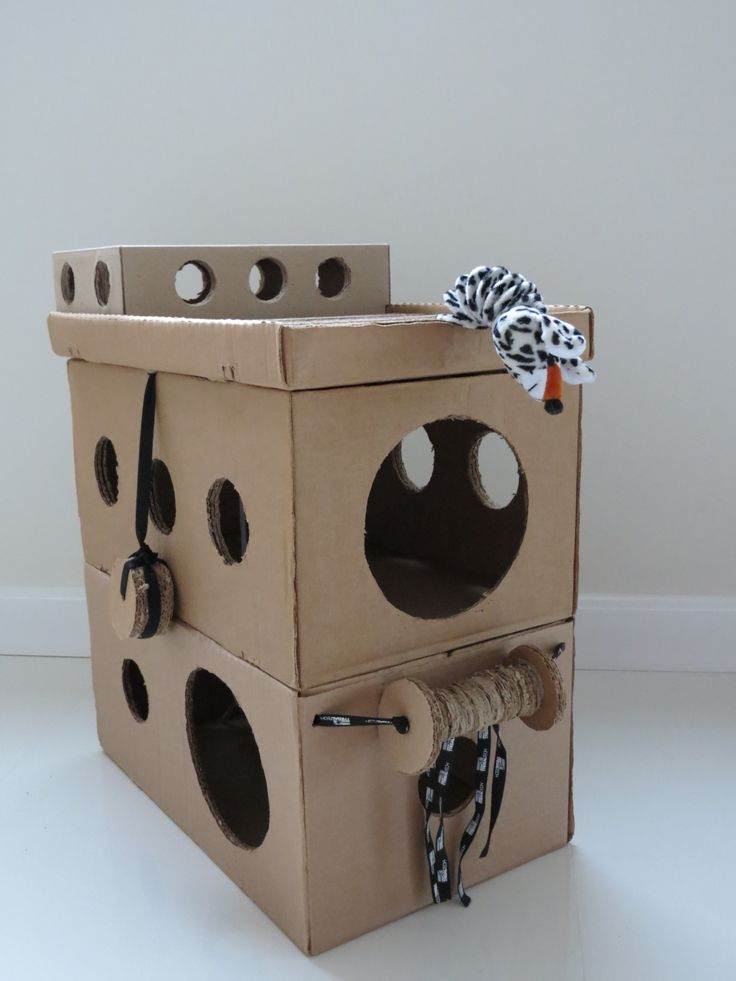 inexpensive cat playhouse DIY. Tunnels, circles GLEE:) #cats #CatMakings #CatCondos