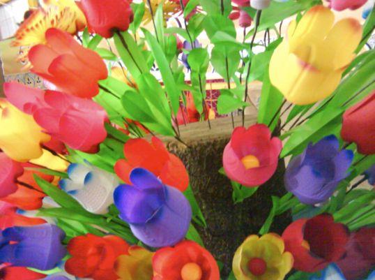 Flores con botellas de plastico - Imagui