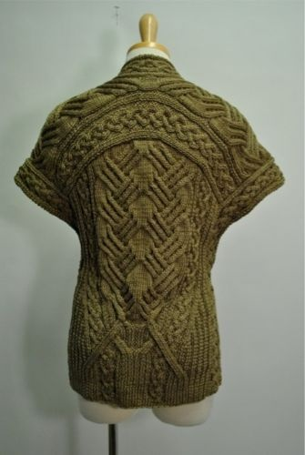 I repin this knowing it is an Oscar de la Renta Linen Silk Chunky Cardigan that retails for 2K+ but I still love it!