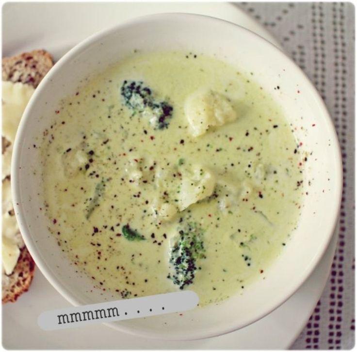 ja syyshiuksia :) Heip, siinäpä sitä meidän tapetointipuuhissa(kin) syötyä keittoa olkaapa hyvät! :) Aloitan tosiaan keittämällä kanaliemikuution...