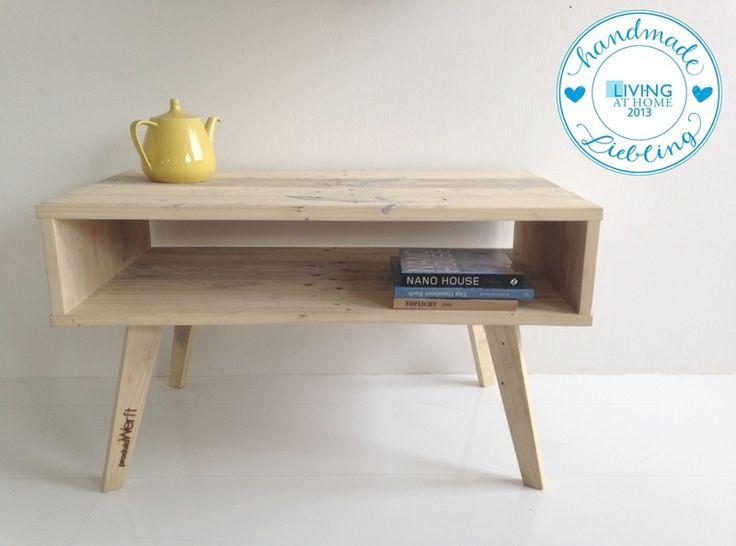 Couchtisch, Beistelltisch aus Palettenholz // couch table made out of pallets by Produktwerft via dawanda.com
