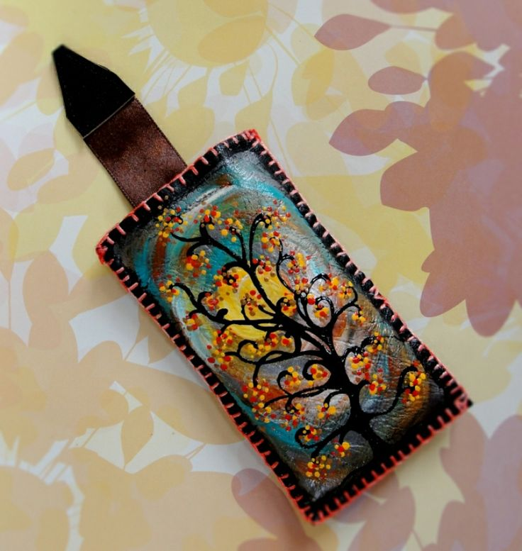 "Hand-painted leather cover up for mobil phone. Husa telefon ""The Tree"""