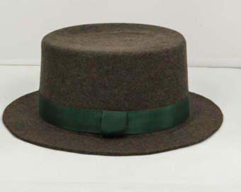 DARK OLIVE GREEN FELT BOAT HAT.BRIM:6,00CM.CROWN:9CM.