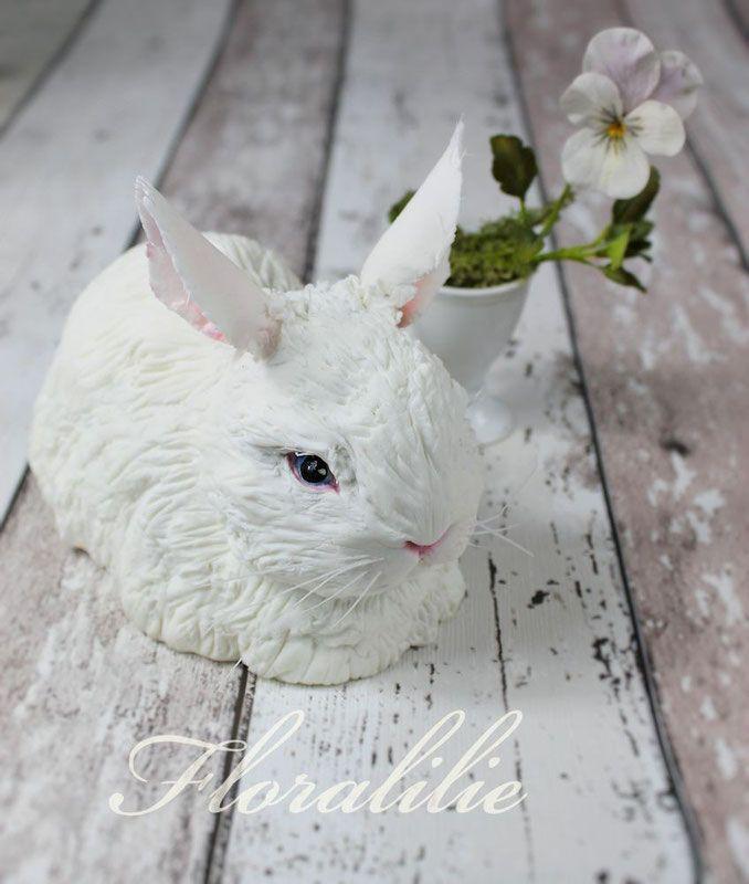 Zucker Kaninchen und Stiefmütterchen aus Blütenpaste                                                                                                                                                                                 Mehr