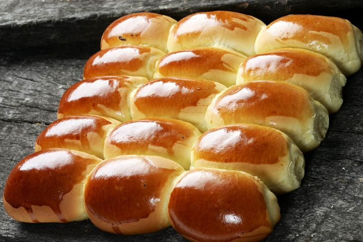 Pao Doce, or Portuguese Sweet Bread. Yum!