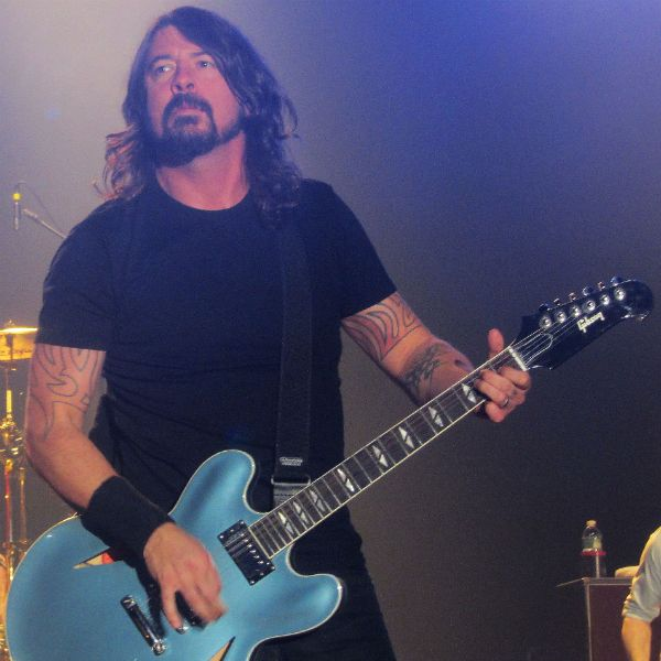 Foo Fighters play hit-packed set, collaborate with UK 'Foo Fighters' during ... - http://news54.barryfenner.info/foo-fighters-play-hit-packed-set-collaborate-with-uk-foo-fighters-during/