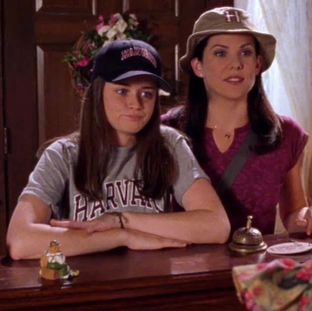 "31 Things That Happened During ""Gilmore Girls"" That Make No Sense Now That I'm Older"