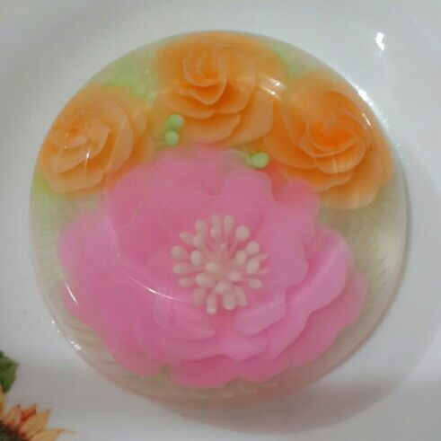 Bowl size jelly art