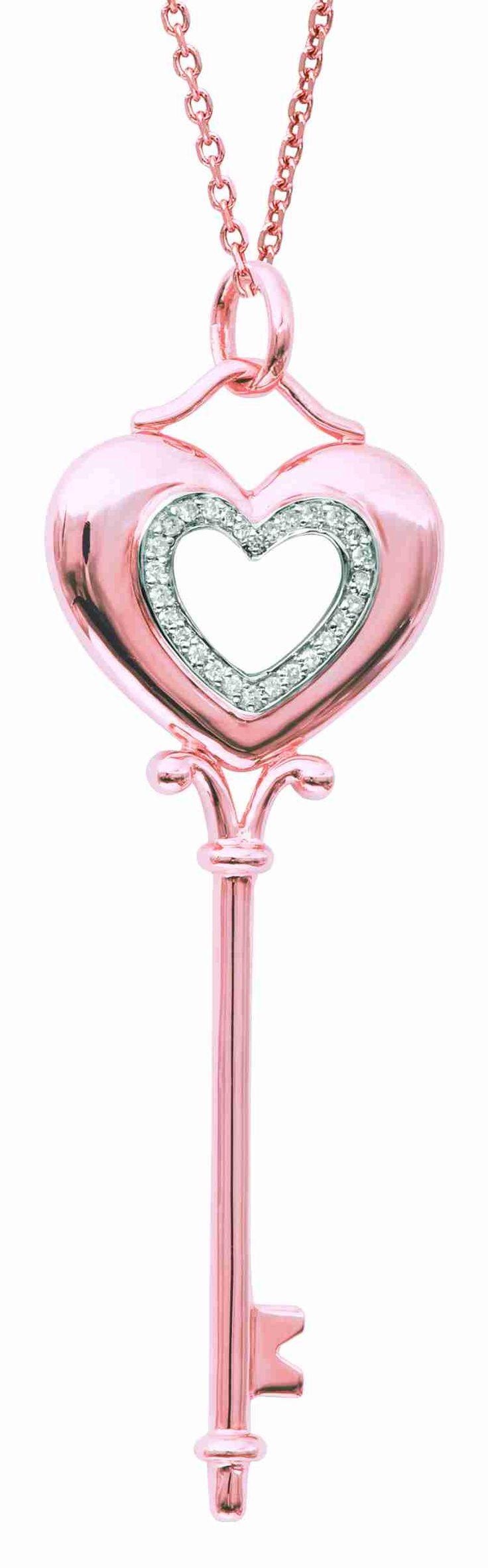 pink & diamond key necklace ✿⊱╮