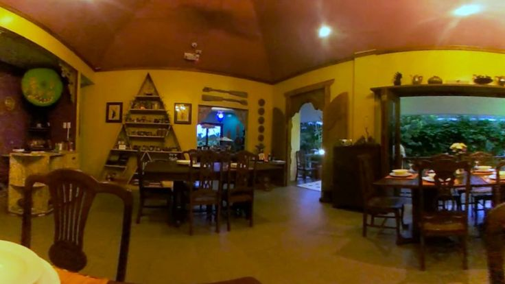 Where To Go in Tagaytay: Lime and Basil - WATCH VIDEO HERE -> http://philippinesonline.info/travel/where-to-go-in-tagaytay-lime-and-basil/   Lime and Basil Thai Restaurant should be one in your list to visit in Tagaytay. We want you to experience Thailand with this 360-degree video of them! Learn more at:  Address: 9014 J. Rizal Street, Barangay Sicat, Alfonso, Cavite Mobile Number: 0915 627 6393 Email:...