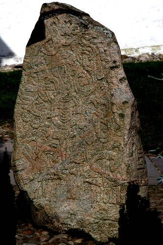 Jellingestenene: The Runic Stones & Jelling Church. Jelling (Jutland) - Danmark.