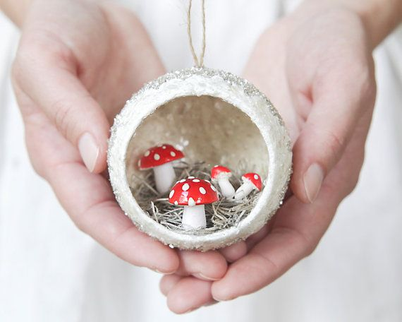 An adorable little peek-a-boo ornament for your retro Christmas tree!    I make these with vintage spun cotton mushrooms from Germany and a
