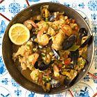 Paella met kip, mosselen en garnalen - recept - okoko recepten