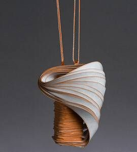 Lydia Hirte  - paper necklace