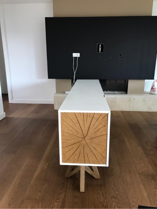 Mesa aparador de diseño de roble,2 años de antig edad. Medidas 85 cm de alto 0,45 cm de ancho y 2.19 m de largo - 145369862 - Muebles, Deco y Jardín