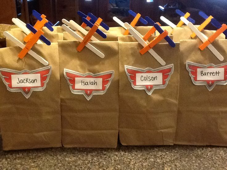 Disney Planes Birthday treat bag! Clothespin Airplanes!! (Clothespins, crafts sticks, and mini craft sticks. Painted with acrylic paint and hot glued )