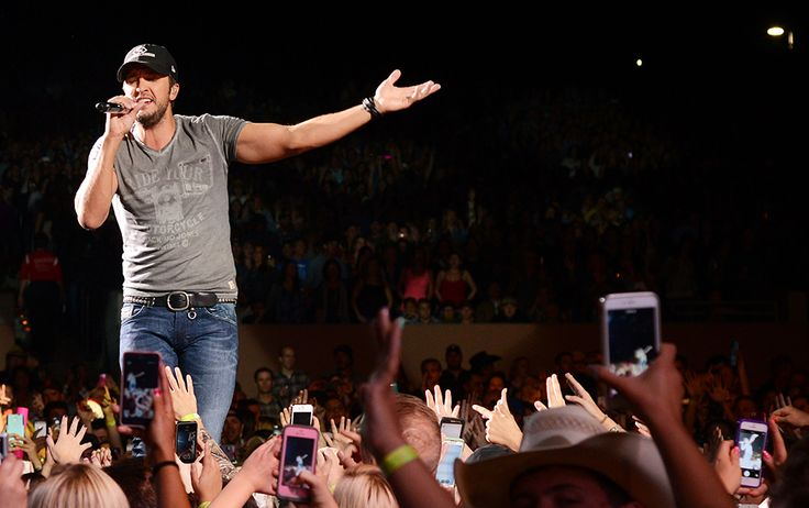 Luke Bryan: Kill The Lights Tour 2016 at Jiffy Lube Live on Fri Jun 10, 2016 7:00 PM EDT