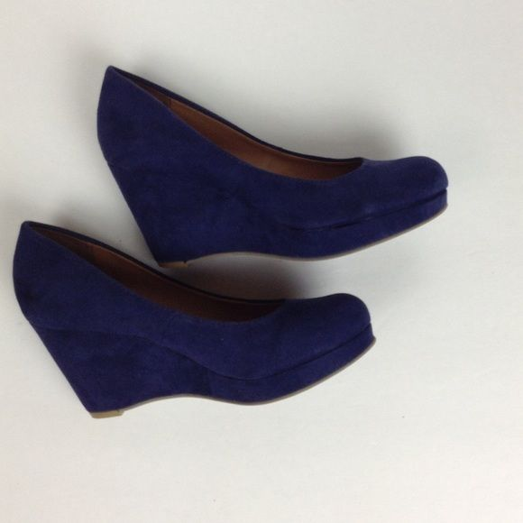 Navy Suede Wedges Comfy suede wedges in navy blue. 3-inch wedge. Excellent condition. Also available in olive green. ❌NO TRADES❌ Nine West Shoes Wedges