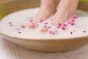 Bain de pied pour enlever la corne des pieds