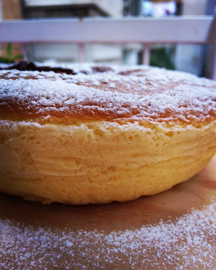 Japanese Cheesecake / Japon Peynirli Kek / 日本のチーズケーキ Cheesecake recipe is, as old as ancient Greek.Then the recipe came to Europe and America.Todays it is made in a lot of countries,with a lot of ways.Japanese Cheesecake is baked with all of the...