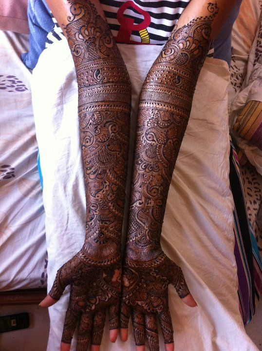 Inspiration for Priya's mehndi, only needs more white space