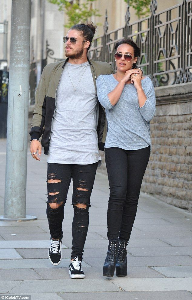 Stephanie Davis wears towering platform boots for low-key lunch date - Celebrity Fashion Trends