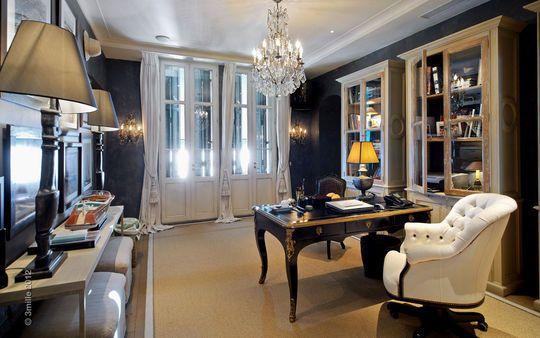 Le bureau : luxueux et classique