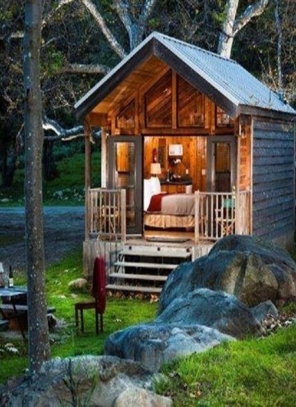 Small Log Cabin.....can be used as a 'pool house' behind the main house.