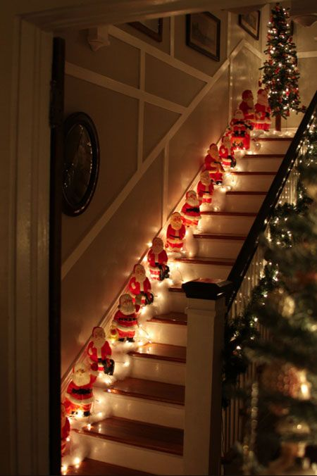 Love the Santa Stairs: Vintage Santa, Christmas Stairs, Holidays, Christmas Decor, Christmas Ideas, Merry Christmas, Stairways, Christmas Gifts, Christmas Staircase
