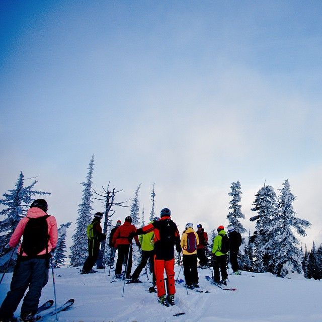 Start of a #bluebird day at @BigRedCats #Catskiing  @khphotograph @laundromatstudios @catskiing #catskiingcanada #catski #skiing #ski #backcountryskiing