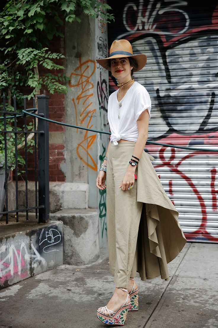 What You Want to Wear: Khakis and a White Shirt - Man Repeller