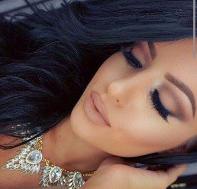 Hermoso maquillaje para piel morena