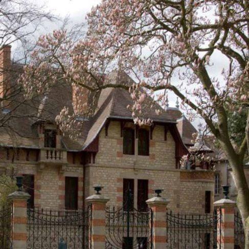 La maison mantin à moulins collection musée anne de beaujeu jérôme mondière