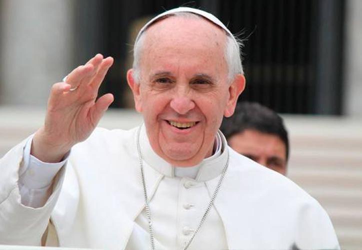 El Papa Francisco pide un mundo sin armas atómicas - Sipse.com