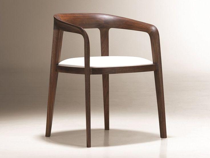 Silla de madera con brazos CORVO by NURUS diseño Noé Duchaufour-Lawrance