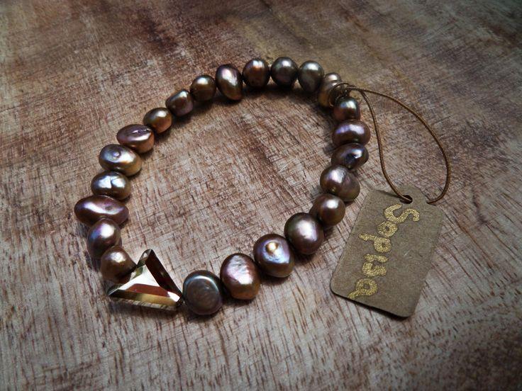 Pernilla - Freshwater Pealrs & Swarovski Crystal 21.99$ #pearls #gold #bronze #pearlbracelet