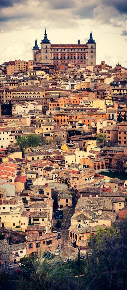 Esta es una captura de la ciudad capital, Toledo.Toledo es también la capital anterior de España durante el período gótico hasta 1560.