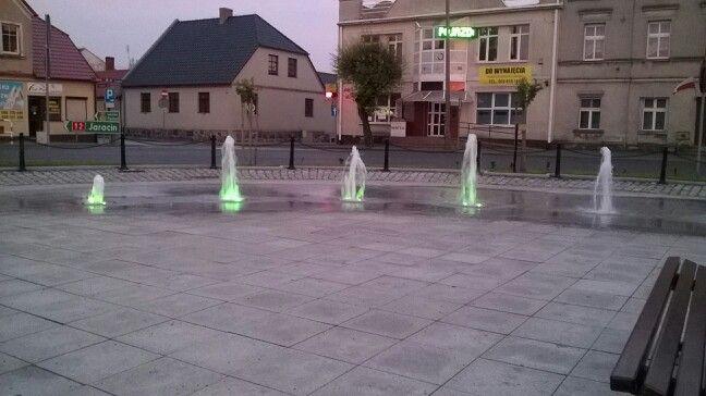 Kolorowe ;-) fontanny na Gostyńskim rynku.
