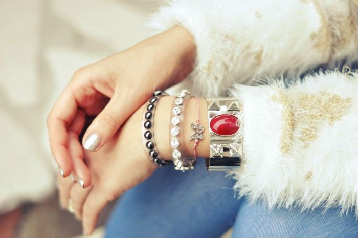 SALE! -40% RED HOT CUFF (as seen on Freaky friday Blog) via street