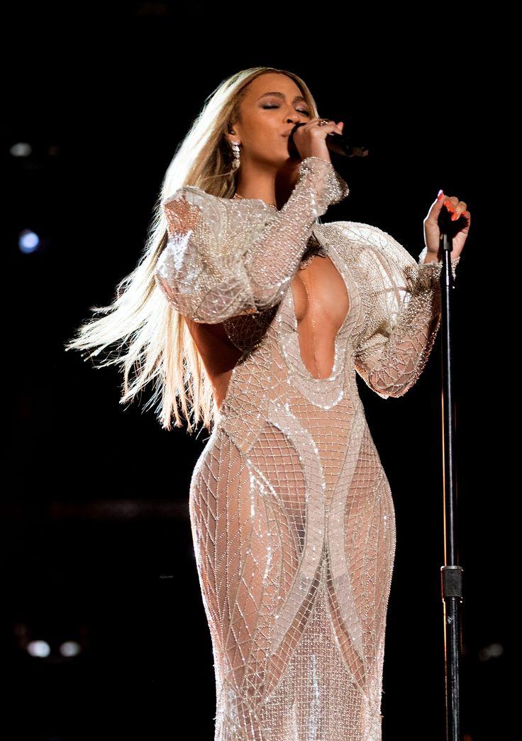 "jayonslaycarter: ""September 14, 2015 Beyonce, Jay Z and Blue in Porto Cervo, Sardinia, Italy """