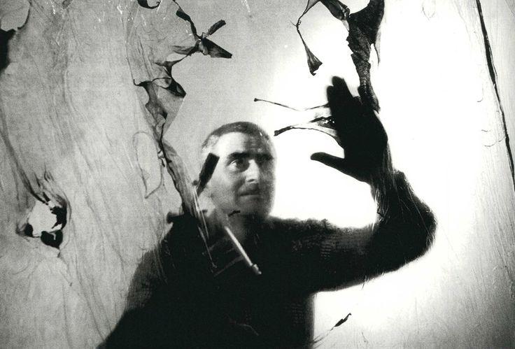 ALBERTO BURRI. Roma, 1957. Ugo Mulas.
