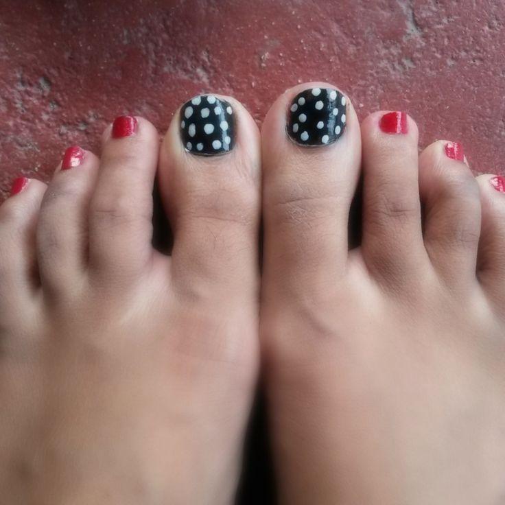 Simple toe nail art