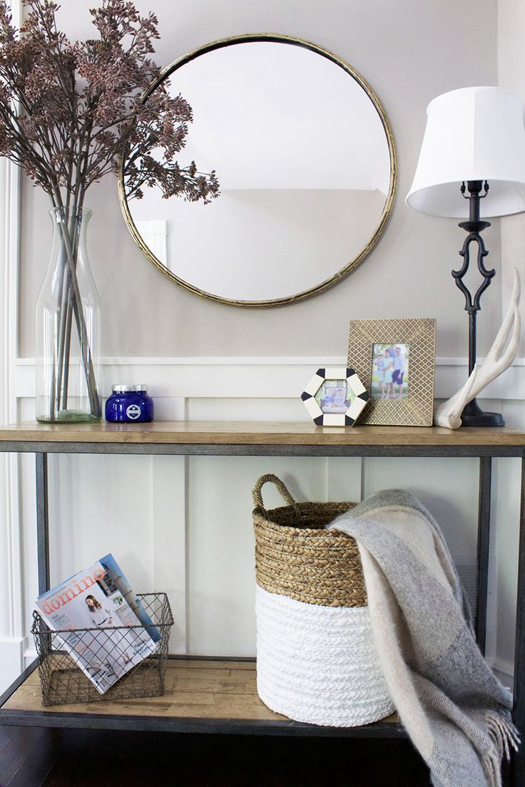 How to organize your home and keep it kid friendly: Photography : Sara O'Brien Photography Read More on SMP: http://www.stylemepretty.com/living/2016/11/15/a-coastal-inspired-living-space-for-a-family-of-four/