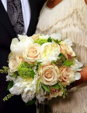 Do peach colors work for a bride's bouquet in a taupe colored wedding?: Wedding Inspiration, Bridal Bouquets, Wedding Bouquets, Wedding Flower Bouquets, Brides, Wedding Flowers, Peach, Bouquets Wedding, Bouquets Flowers