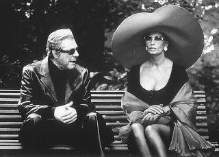 Marcello Mastroianni and Sophia Loren.