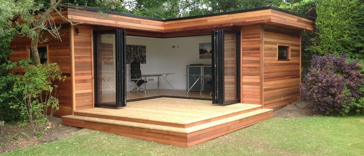 L-shaped garden office. Want one!