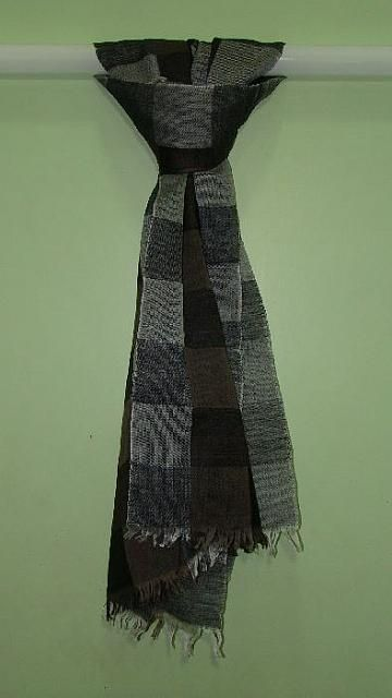 Hi Fashion Designer Checked Scarves and Stoles at just £1.64, Enquire now.  http://www.rosellacollections.com/products/designer-scarves-stoles