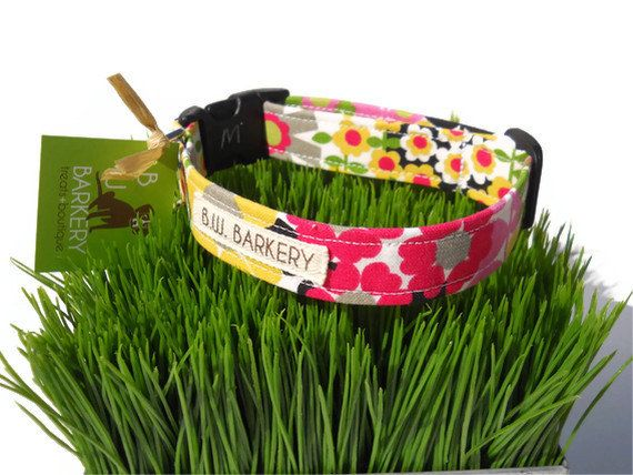 "Pink flowered dog collar from the ""Pretty in Pink"" collection....Ex-Small or small.... $17.95, via Etsy."