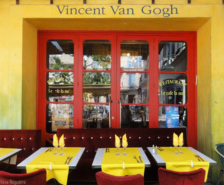 A table! Arles, Provença, França, foto de Véva Nogueira